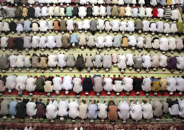 چرا ثواب نماز جماعت بیشتر از نماز انفرادی است